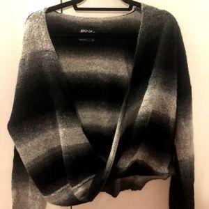 Vneck Grey and Black Nasty Gal Sweater